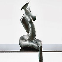 Vanda, sculpture contemporaine de Marion Bürkle, bronze patiné 77 cm